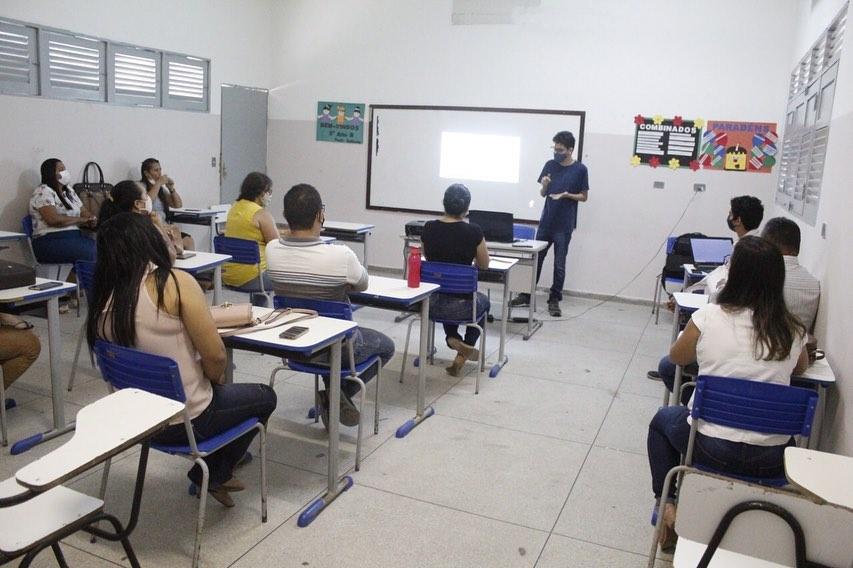 Governo Municipal de Jacaraú investe em suporte on-line para educação.