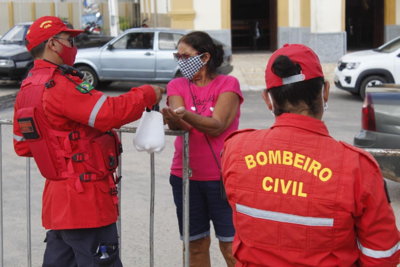 Governo Municipal organiza a feira livre para garantir mais segurança a população.