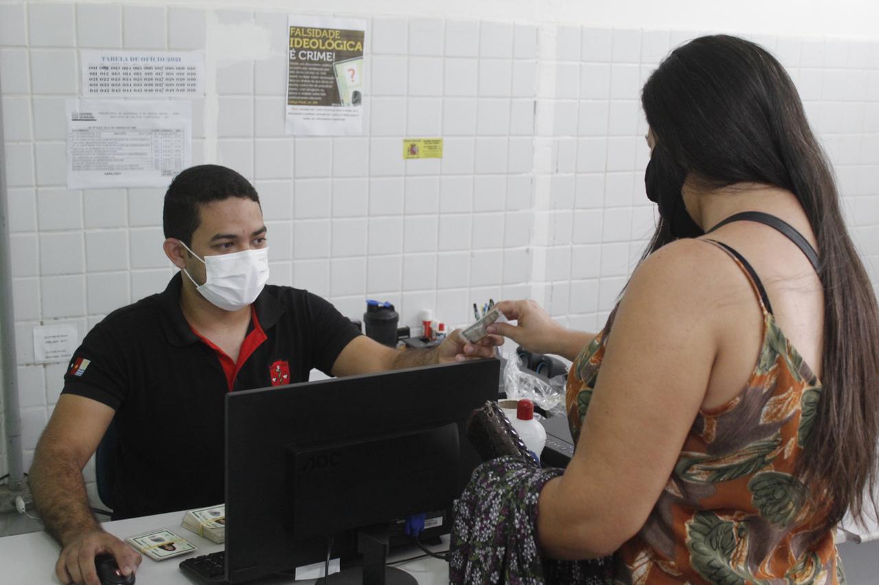 Governo Municipal de Jacaraú faz entrega de Carteira de Identidade (RG).