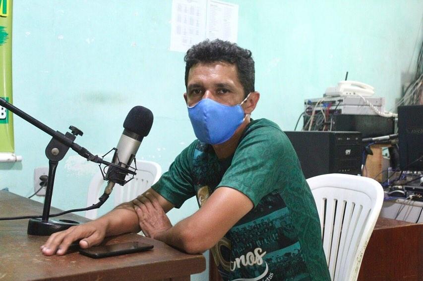 Secretário de Esporte e Cultura concede entrevistas nas rádios Talismã FM e Alvorada FM.
