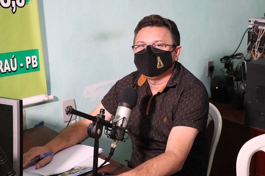 Secretário de Finanças e Planejamento concede entrevistas nas rádios Talismã FM e Alvorada FM.