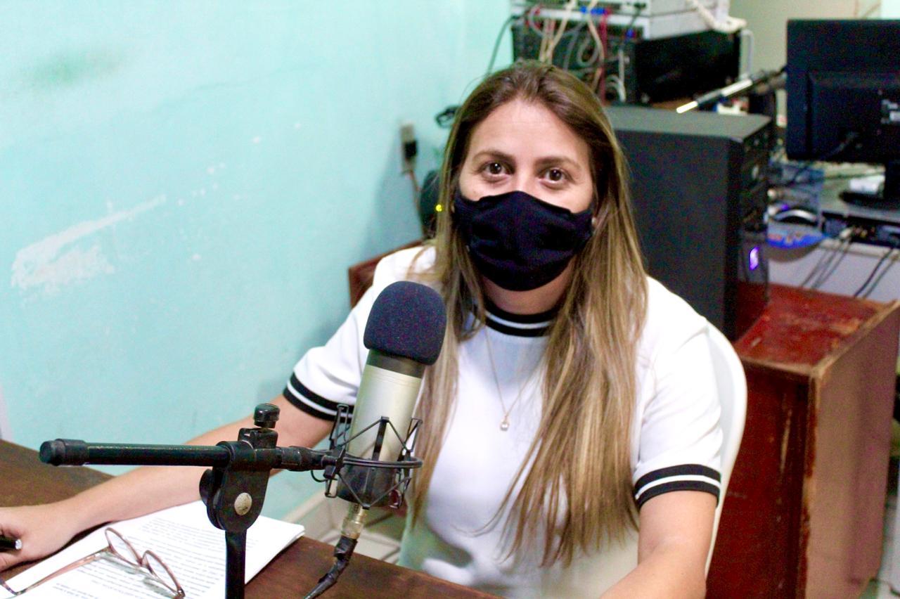 Secretária de Assistência Social concede entrevistas nas rádios Talismã FM e Alvorada FM.