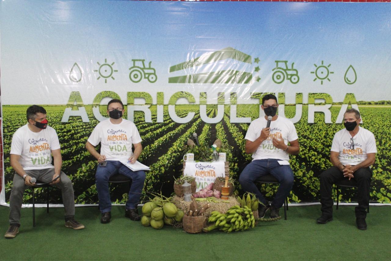 Live da agricultura destaca avanços e homenageia o trabalhador rural.