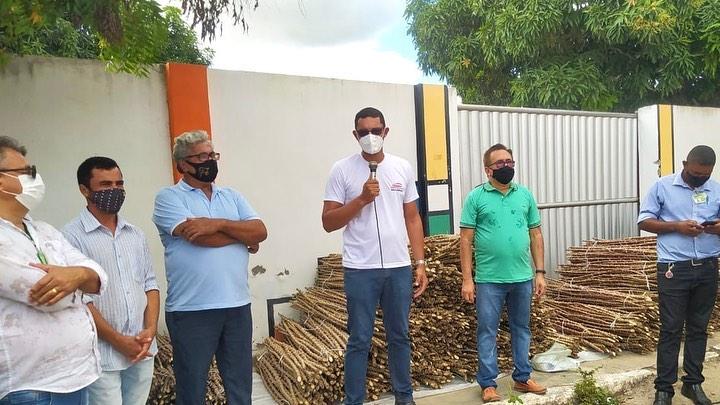 Jacaraú adquire sementes de manivas melhoradas geneticamente pela Embrapa para os agricultores do município.