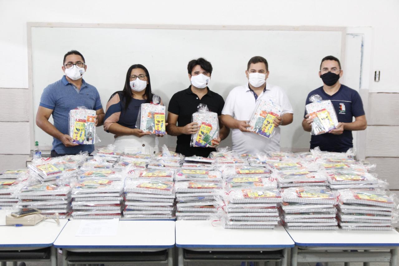 Secretaria de educação realiza pelo 4º ano consecutivo a entrega de kits de material escolar.