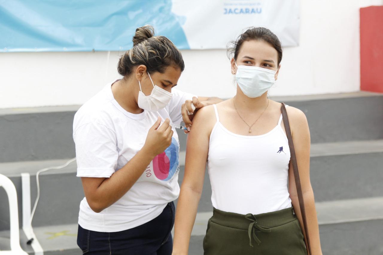 Jacaraú inicia vacinação contra a Covid-19 para 14+ sem comorbidades.